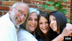 Un rabí amigo de la familia y medicó se reunió con Alan Gross por dos horas y media en un hospital en la Habana y confirmó que el contratista estadounidense está sano.