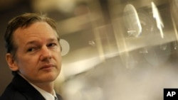 Founder of the WikiLeaks website, Julian Assange, speaks during a press conference in London, 23 Oct 2010