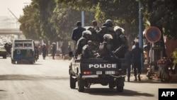 La police malienne lors d'une manifestation à Bamako, le 10 janvier 2018.