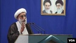 اظهارات روز جمعه جنتی، واکنش علی لاریجانی و علی مطهری را به همراه داشت