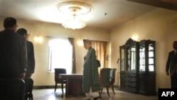 Karzai İran'dan Para Aldıklarını Kabul Etti