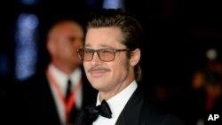 """El actor estadounidense Brad Pitt llega a la premiere de """"Fury"""" (Corazones de hierro) en Londres."""