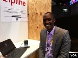 Abdoul Salam Nizeyimana at the Paris tech fair. (VOA/L. Bryant)