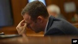 Bintang olimpiade Afrika Selatan, Oscar Pistorius (27 tahun) didakwa dengan tuduhan pembunuhan terencana terhadap pacarnya (foto: dok).