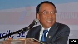 Menteri ESDM Jero Wacik memaparkan permasalahan energi Indonesia di Jakarta (17/1).