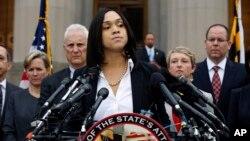 Công tố viên trưởng của thành phố Baltimore, Marilyn Mosby, phát biểu trước báo giới hôm thứ Sáu, 1/5/2015.