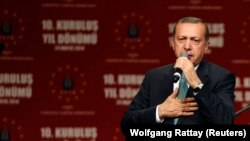 Cumhurbaşkanı Erdoğan 24 Mayıs 2014'te Köln'de destekçilerine seslenmişti