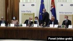 U Beogradu se odvija dijalog vlasti i opozicije o izborima uz posredstvo evroparlametnaraca