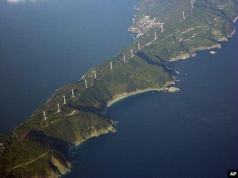 japan shuts down last nuclear reactor japan shuts down last nuclear reactor 480x360