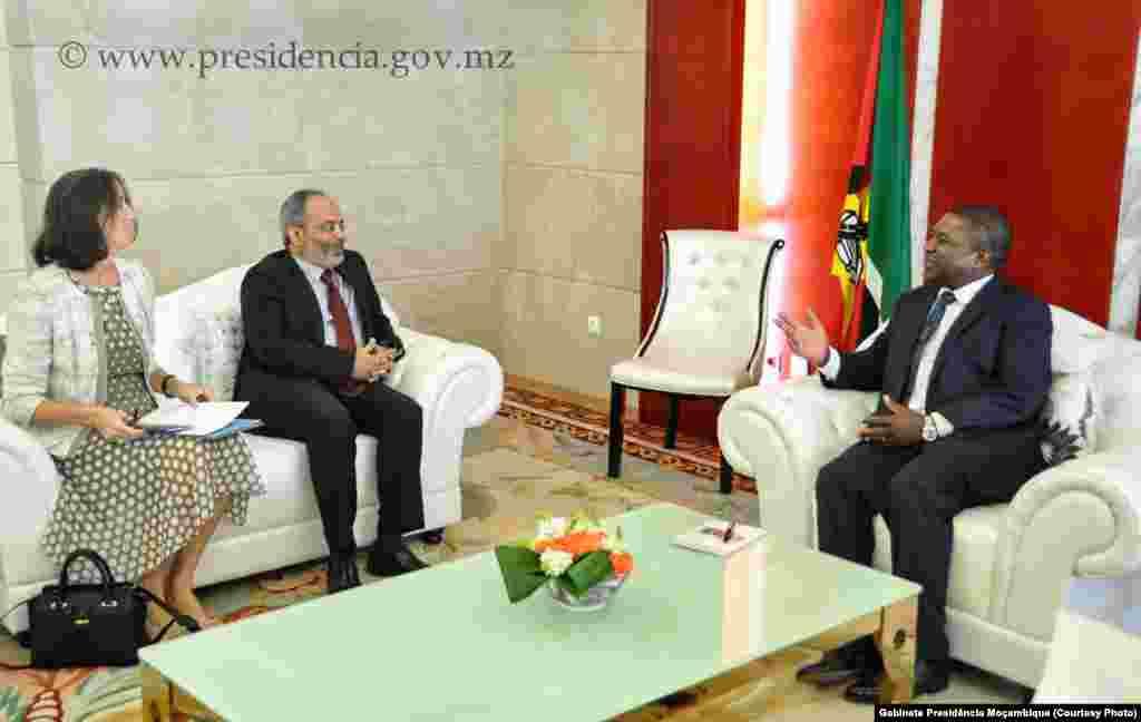 Presidente Filipe Nyusi em audiência com o Secretário Executivo da Comissão Económica para África da ONU, Carlos Lopes