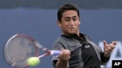 Nicolas Almagro melaju ke babak kedua turnamen Valencia Terbuka, Selasa 22/10 (foto: dok).
