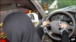 سعودی عرب ، خواتین کے کار چلانے پر پابندی کا قانون غیر تحریری ہے