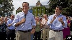 Liên danh Cộng hòa, Ông Romney và Dân biểu Paul Ryan vận động tranh cử ở thành phố Manchester, bang New Hampshire