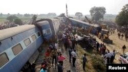 چارواکي وايي په هند کې هرکال د اورګاډو د چپه کېدو په پېښو کې ۱۵۰۰۰ مري.