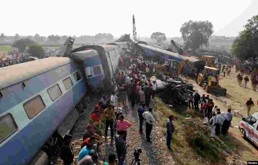 بھارت ریاست اتر پردیش کے ضلع کانپور کے قریب ہونے والے مسافر ٹرین حادثے میں ہلاکتوں کی تعداد 128 ہو گئی۔