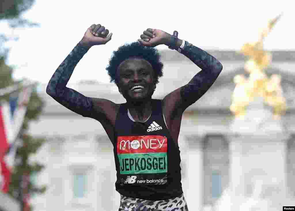 Joyciline Jepkosgei wa Kenya ashinda mbiyo za wanawake za Marathon za London 2021