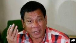 필리핀에서 대선 투표가 진행된 지난 9일 로드리고 두테르테 필리핀 대통령 당선자가 기자회견을 하고 있다.