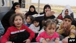 Bekstvo od nasilja: žene i deca iz Sirije napuštaju svoje domove