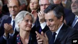 Francois Fillon et sa femme Penelope a Paris, le 29 Javier 2017.