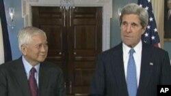 2013年4月2日美国国务卿约翰•克里在国务院会见菲律宾外长罗萨里奥