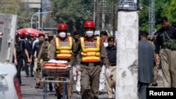 Suicide Bomber Attacks Convoy in Peshawar