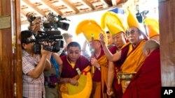 'چین دلائی لاما کے اثرورسوخ کا کڑا مقابلہ کرے'