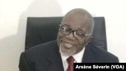 Martin Mberi président du Conseil national de dialogue, à Brazzaville, le 19 octobre. (VOA/Arsène Séverin)