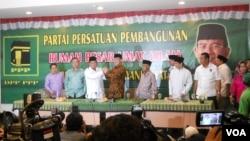 Partai Persatuan Pembangunan menyatakan ikut mendukung Prabowo Subianto, calon Presiden dari Partai Gerindra, dalam konferensi pers di kantor Dewan Pimpinan Pusat P3 di Jakarta, Jum'at, 18 April 2014 (Foto: VOA/Andylala)