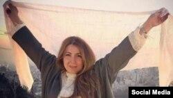 شاپرک شجری زاده از معترضان به حجاب اجباری است.