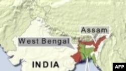 Cảnh sát Ấn Độ tháo ngòi một quả bom trên một chuyến xe lửa