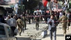 29일 아프가니스탄 수도 카불의 대규모 시아파 사원 부근에서 자살폭탄 공격이 발생했다.