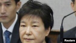 Cựu Tổng thống Hàn Quốc Park Geun Hye tại phiên toà ở Seoul (ảnh tư liệu ngày 23/5/2017).