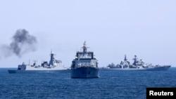 Một cuộc tập trận với sự tham gia của hải quân Trung Quốc trên biển Hoa Đông năm 2014.
