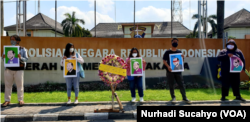 Aksi KAMU di Polda DIY Senin 16 Agustus 2021 untuk memperingati 25 tahun kematian jurnalis Udin. (Foto: VOA/Nurhadi)