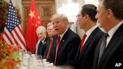 美国总统特朗普在与中国国家主席习近平在布宜诺斯艾利斯共进晚餐时讲话。(2018年12月1日)