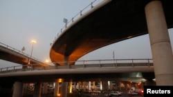 Le pont Henri Konan Bedie à Abidjan, le 15 décembre 2014.