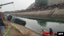 بس نہر میں گرنے سے 42 مسافروں کی ہلاکت کا خدشہ۔ 16 فروری 2021