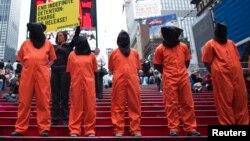 En varias ciudades estadounidenses ha habido protestas exigiendo se respeten los derechos de los detenidos.