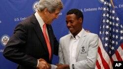 میراتھون جیتنے والے، ڈلیزا کی امریکی وزیر خارجہ سے ملاقات