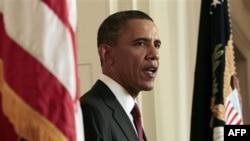 Tổng thống Hoa Kỳ Barack Obama loan báo tin Osama Bin Laden, người sáng lập mạng lưới khủng bố al-Qaida đã chết, ngày 1/5/2011 tại Tòa Bạch Ốc