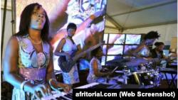 یک گروه دخترانه موسیقی