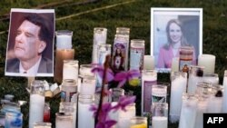 Vụ nổ súng đã làm 6 người thiệt mạng, trong đó có một thẩm phán liên bang và một bé gái 9 tuổi, dân biểu Giffords vẫn trong tình trạng nguy kịch