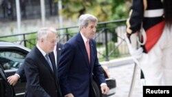 Američki državni sekretar Džon Keri dolazi na skup u Parizu