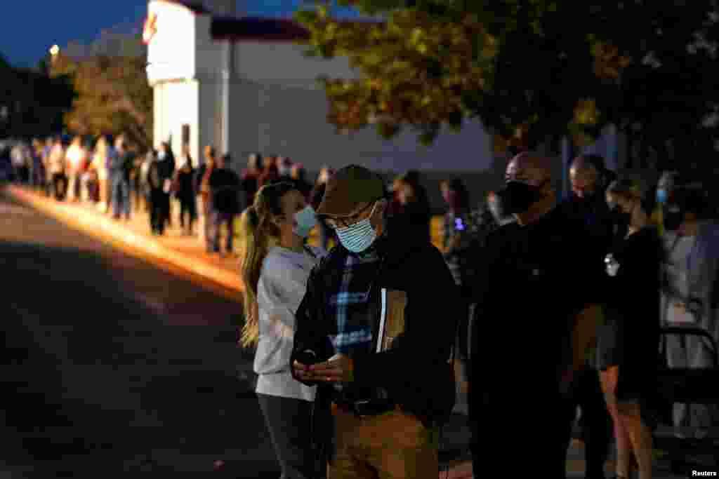 مشارکت گستردۀ رایدهندگان تا آخرین ساعت رایدهی در شهر ادموند ایالت اوکلاهاما