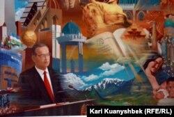 Toshkentdagi Amir Temur muzeyi uchun ishlangan Islom Karimov portreti