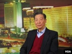 经济学家茅于轼。茅于轼等很多老人批判毛泽东