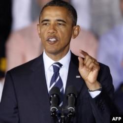 Obama yetakchiligidagi Demokratik Partiya nazarida choychilar jamiyatni orqaga surishga urinayotgan kuchlar. Choychilar esa prezident va uning tarafdorlarini sotsializmda ayblaydi.