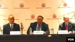 共和黨紐約市長候選人座談(左起: 亞道夫卡里安, 約翰卡西瑪提迪, 喬治麥當勞)