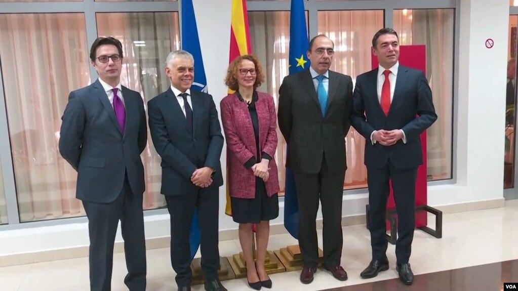 Zyrtarë të lartë të NATO-s, Komisionit Evropian vizitojnë Shkupin