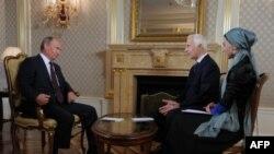 Владимир Путин дает интервью чеченским журналистам